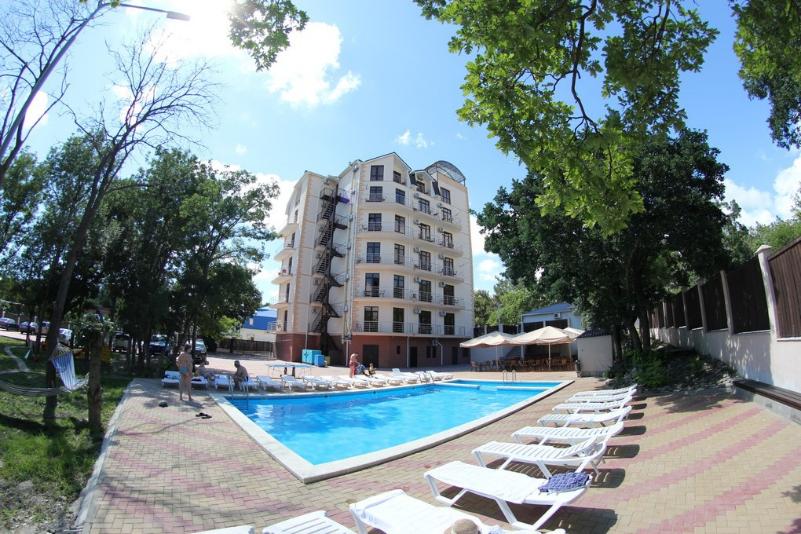 Отель «Plaza»