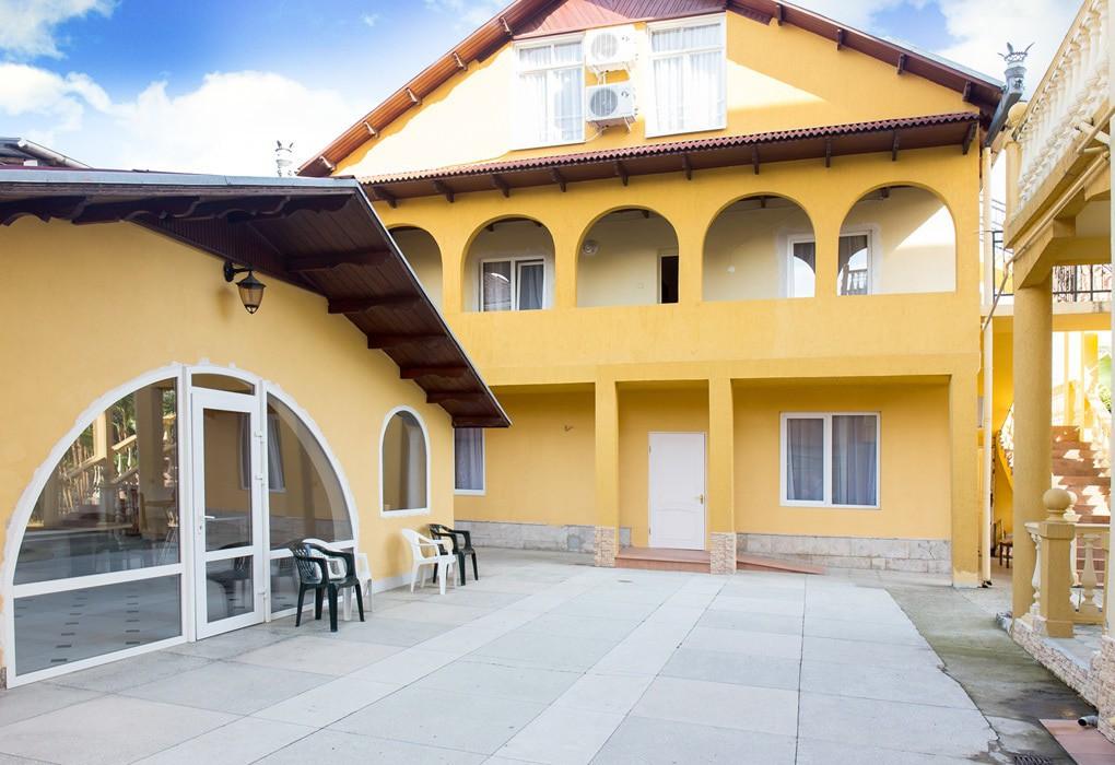 Частная гостиница «Lazur Guest House»