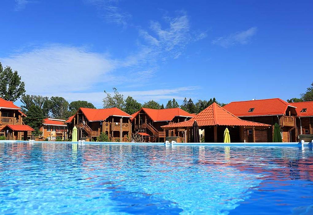 Парк-отель «Дивный» (бывшее «Озеро Дивное»)