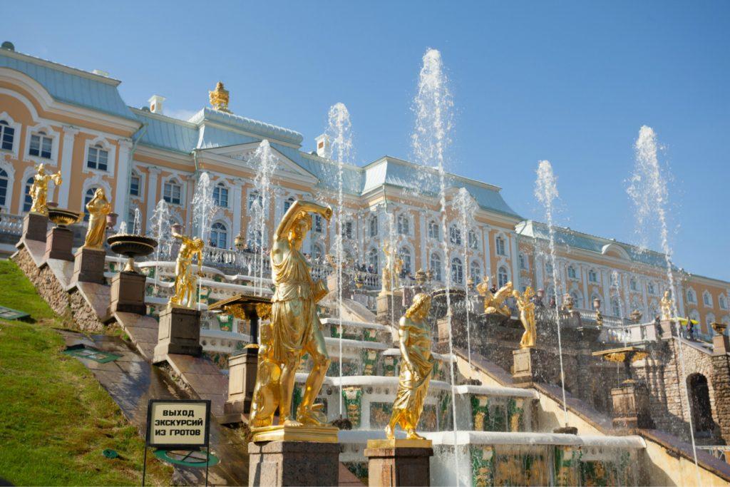 Майские праздники в Санкт-Петербурге